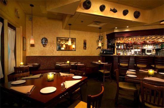 Ambiance veneto trattoria italian restaurant for Best color for restaurant interior
